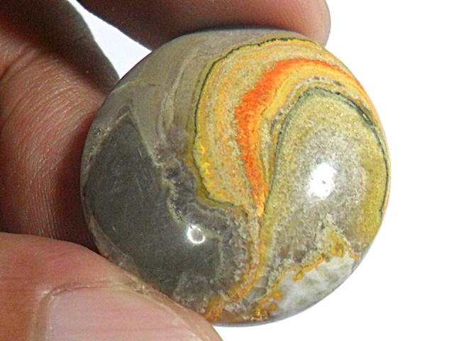 AG295 Round 25x24mm 33.5ct Orange Yellow Gray 'Yin Yang' Picture Natural Unheated Agate