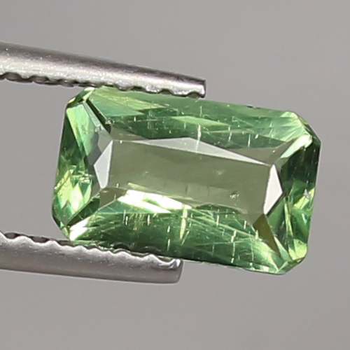 AP007 Octagon 1.05ct 7.83x4.9mm Natural Unheated Green APATITE Madagaskar