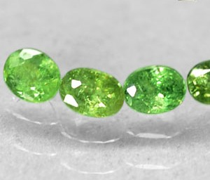 GD104 Lot 4 Pcs Natural Oval Red Spark green Andradite demantoid Garnet 1.4Tcw