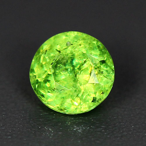 GD116 Round 0.47ct 4.5mm Natural Green Demantoid Garnet, Good Luster
