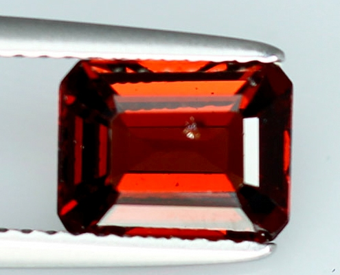 GS096 Unheated Octagon Natural Red Garnet 2.02Ct