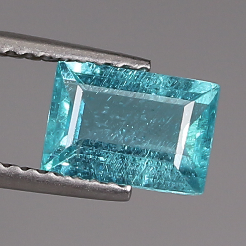 AP097 Octagon 1.32ct 5.6x7.9mm Natural Unheated Blue APATITE Madagaskar