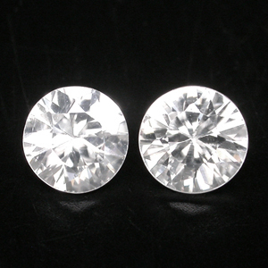 ZN007 Pair 1.94 Ct tcw Natural White Color Round Diamond Cut 5.5 mm ZIRCON