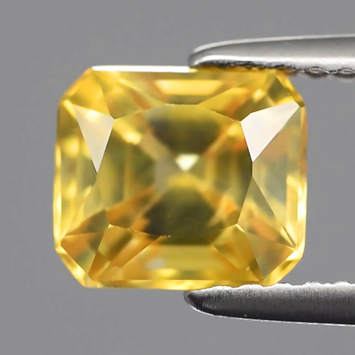 ZN009 VVS Octagon 2.30ct 7x6.2mm Natural Yellow Zircon Cambodia, Good Luster